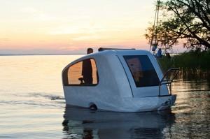Amphibic mobile home
